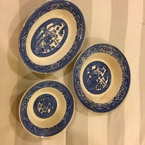 🥣 Blue Willow dishes